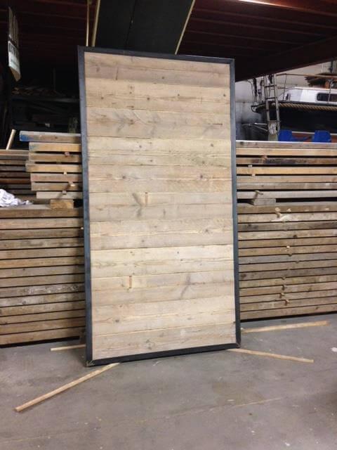 Steigerhout met stalen schuifdeur loftdeur schuifdeursysteem